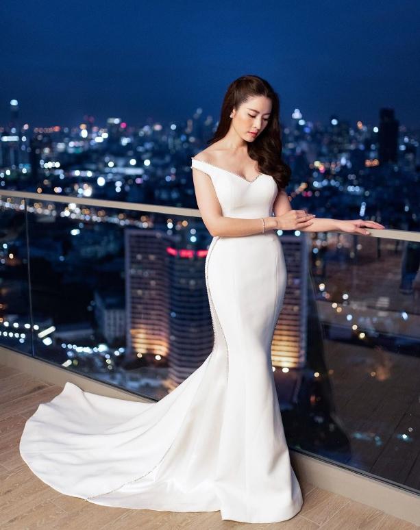 """แอฟ ทักษอร สวมชุดราตรีสีขาวสวยสง่าจน  """"กันต์"""" ต้องแซว"""