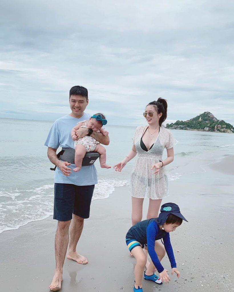 """ครอบครัวสุขสันต์  """"แพมแพม"""" ดาราธิป พาน้อง น้องเพิร์ล เที่ยวทะเลครั้งแรก"""