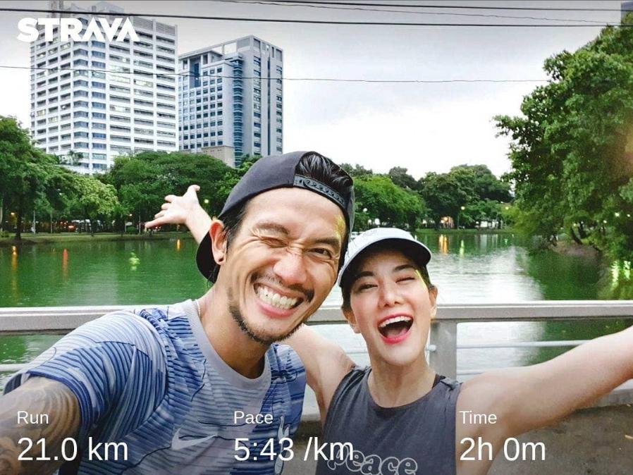 คนโสดตายหมด!! พี่ตูน-ก้อย เผยวิธีออกกำลังกายกับแฟนยังไงให้สนุก!! (ชมคลิป)