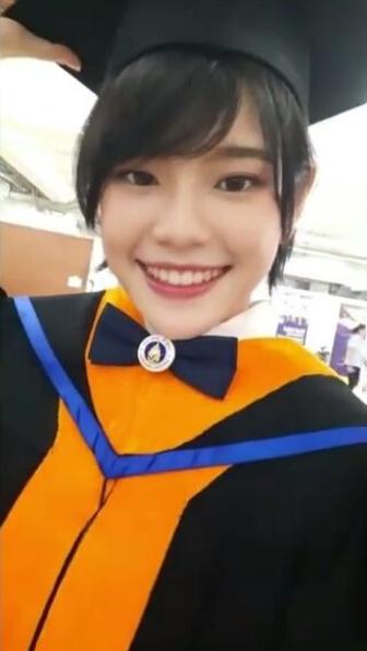 ทั้งสวยทั้งเก่ง เฌอปราง BNK48  จบการศึกษา เกียรตินิยมอันดับ 2
