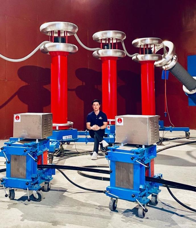 เปิดภาพโรงงานของ น็อต วิศรุต ใหญ่โตอลังการ สีสันจัดจ้าน สมเป็นสายแฟ