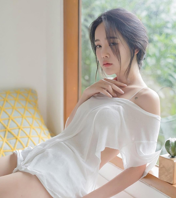 สวยไปอีกแบบ ปุ้มปุ้ย เปลี่ยนลุค สวมชุดไทยเป็นสาวหวาน แต่แคปชั่นยังเด็ด อ่านเสร็จต้องซี้ด