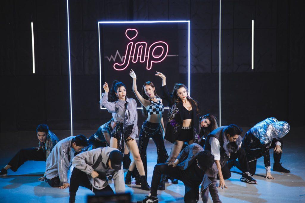 สามพี่น้อง JNP คัมแบ็คงานเพลง สะเทือนวงการเพลง T-POP  กลับมาทวงบัลลังก์เจ้าแม่เกิร์ลกรุ๊ป จัดเพลงใหม่สไตล์ Anime Gamer
