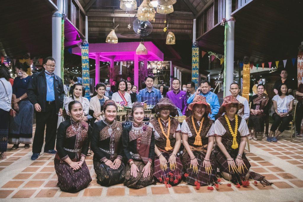 """ยักษ์ใหญ่แห่งวงการธุรกิจอสังหาฯเครือ """"ณุศาศิริ""""  จัดงาน """"ยักษ์ตื่น  Opening Party """" เปิดตัวยิ่งใหญ่ หนุนช่วยผู้ประกอบการคนไทย"""