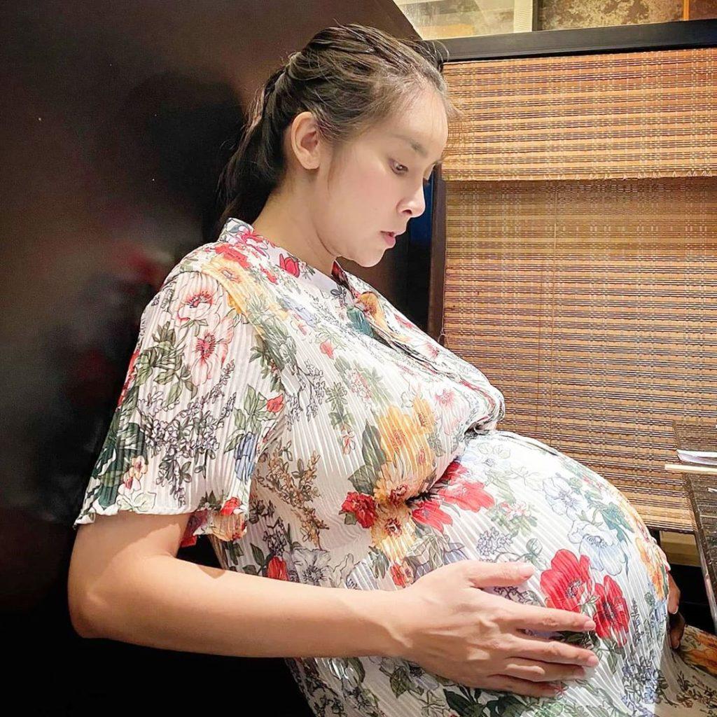 """เลขเด็ดคนท้อง """"ใหม่ สุคนธวา"""" มาแล้วจ้า!!"""